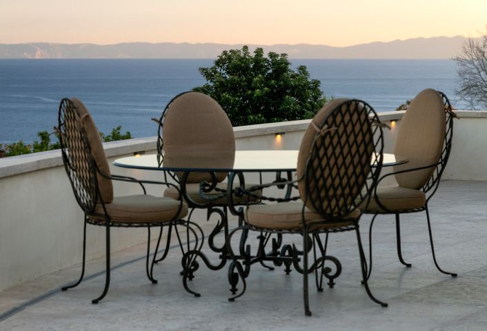 Ocean-island patio views