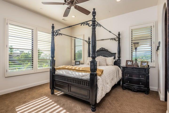 033_33-Bedroom 2