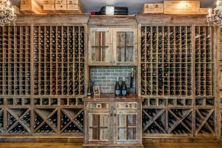 014_14-Wine Closet