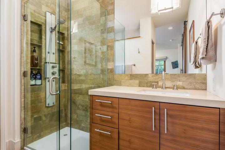 10-Master Bathroom