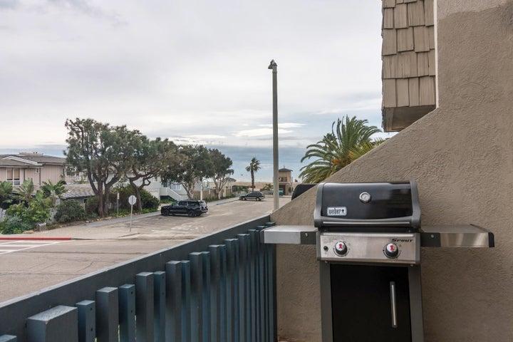 011 b gas grill