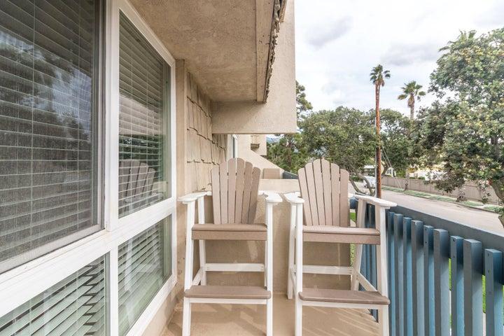 011 C chairs on balcony