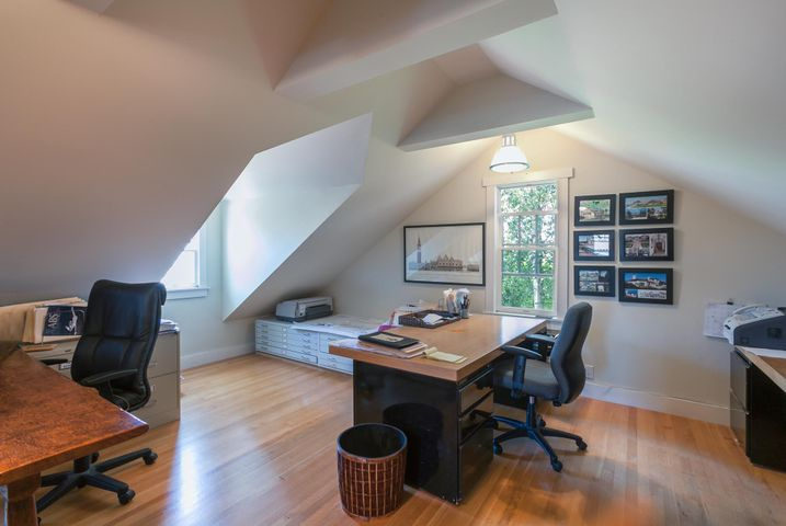 Office in Guest Quarters
