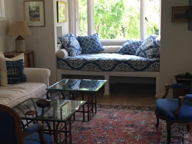 sitting area living room