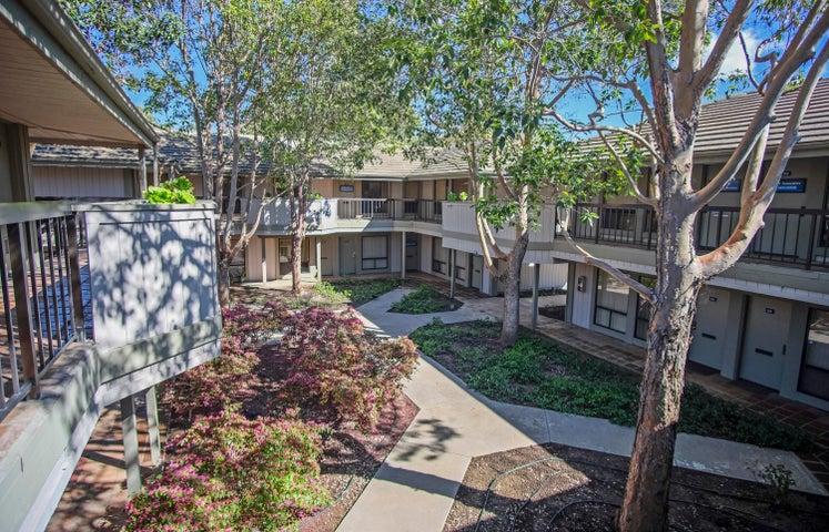 5290 Overpass Rd - courtyard above