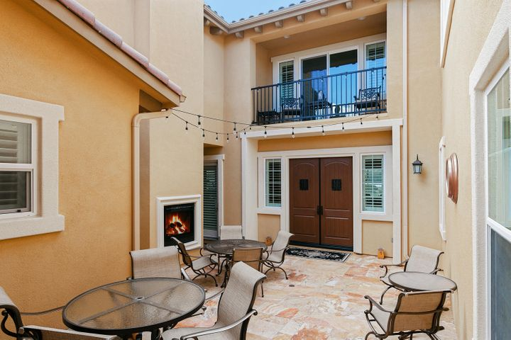 7379 Nicklaus Rd-009-10-Courtyard-MLS_Si