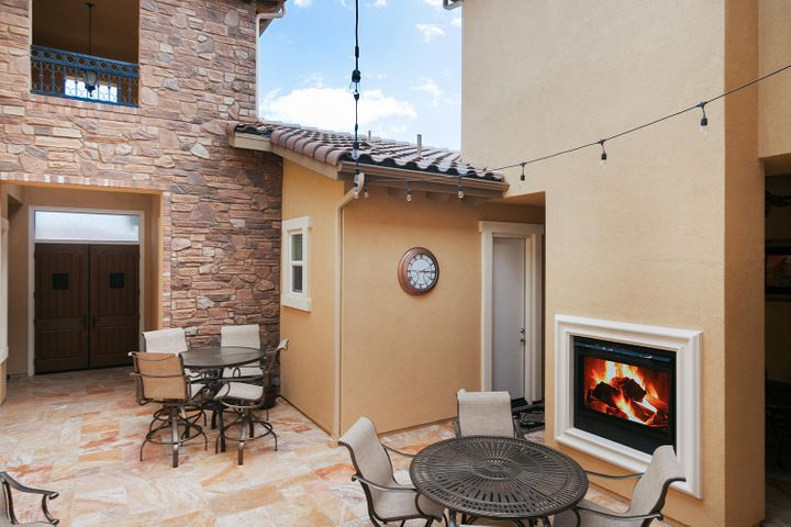 7379 Nicklaus Rd-010-13-Courtyard-MLS_Si