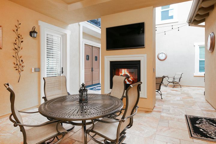 7379 Nicklaus Rd-011-11-Courtyard-MLS_Si