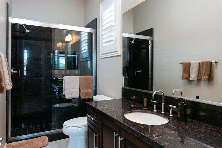 7379 Nicklaus Rd-049-18-Guest Bathroom-M