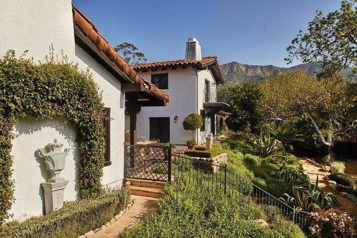 thumbnail_190324_montecito_house_008