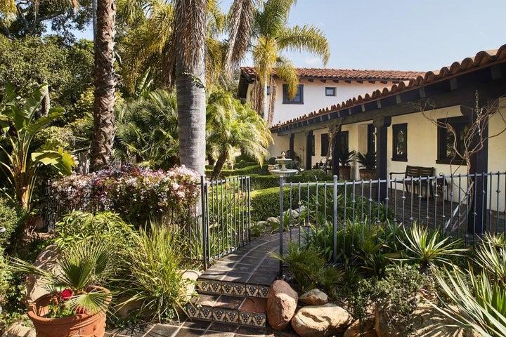thumbnail_190324_montecito_house_032