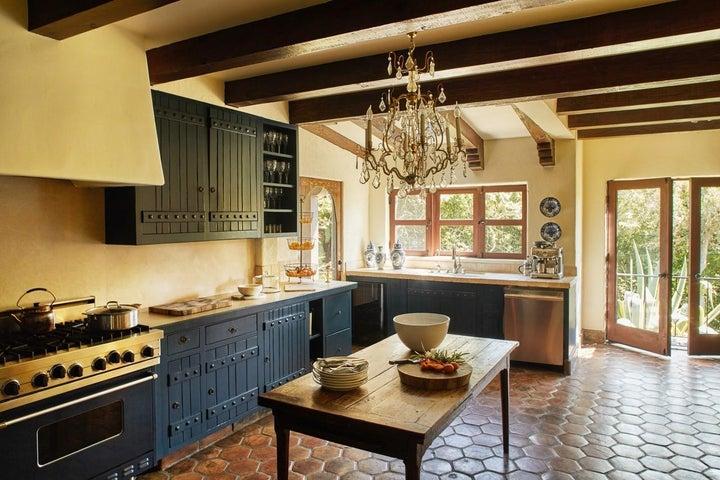 thumbnail_190324_montecito_house_200