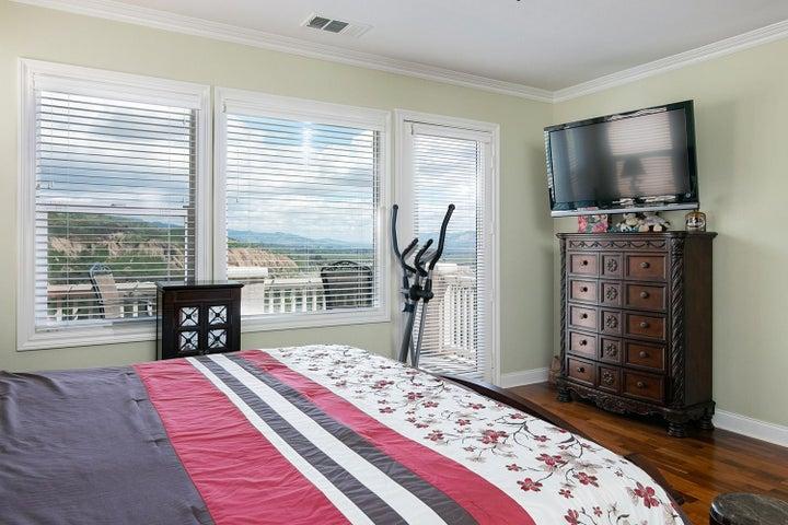 873 Coronado Cir-019-8-Master Bedroom-ML