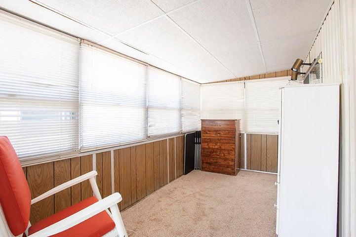 Enclosed extra room