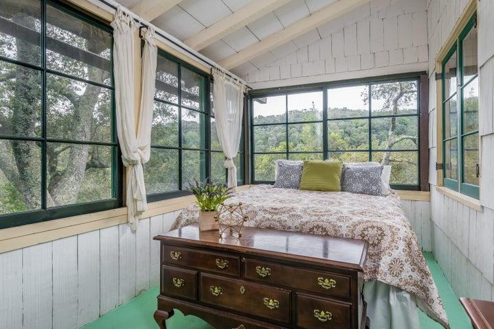Main House - Bedroom/Enclosed Sun Porch