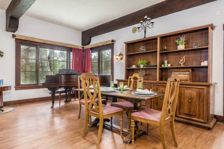 Main House - Dining Room