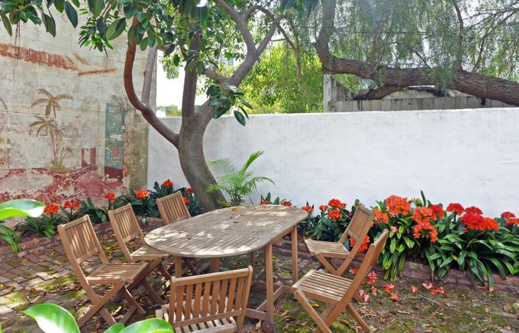 707 Anacapa St - back patio