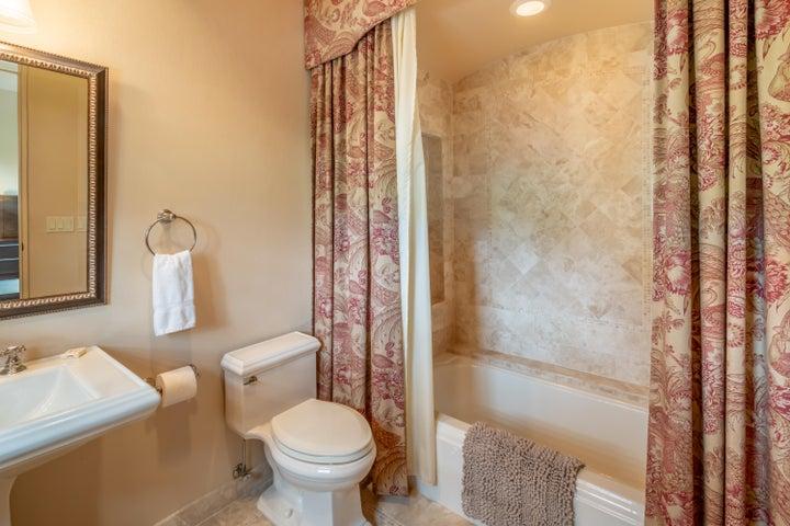 Upstais Bathroom 3