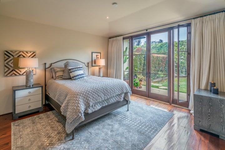 Downstairs Bedroom 1 Suite