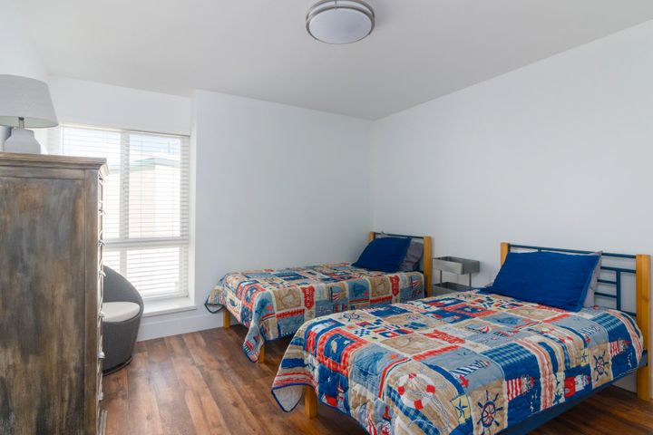 008 B seaside retreat twin bedroom