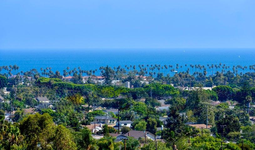 Panoramic Ocean Vistas