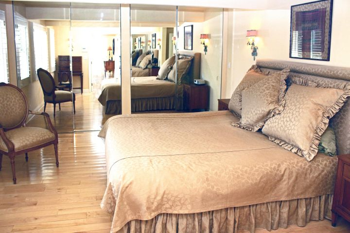 1000-15 Master Bedroom
