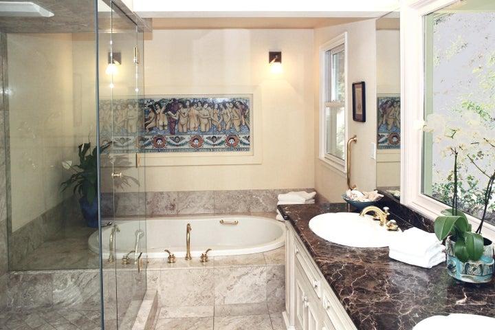 1000-16 Master Bath