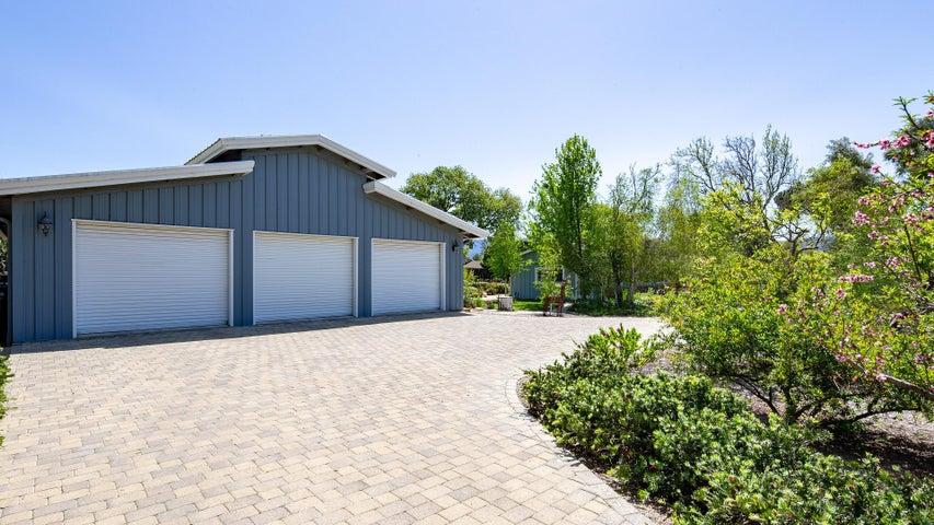 Garage / Shop