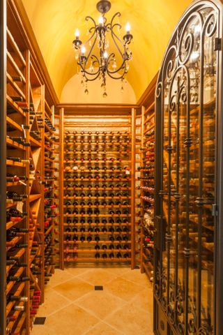652 Park Lane, Montecito - wine