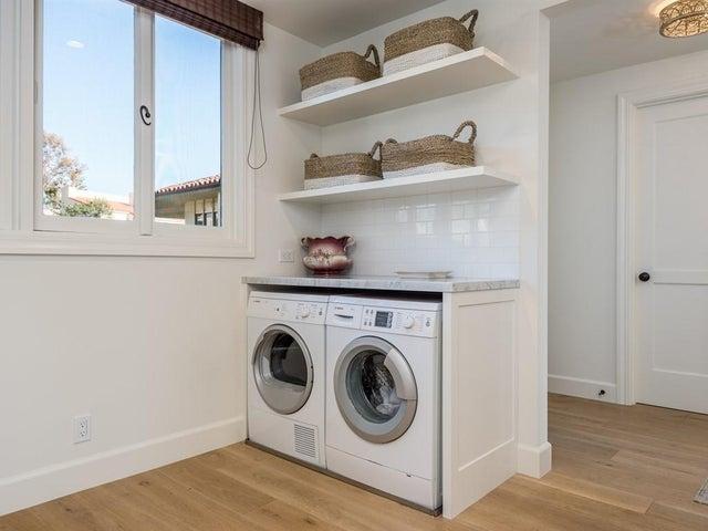 011_09-Laundry