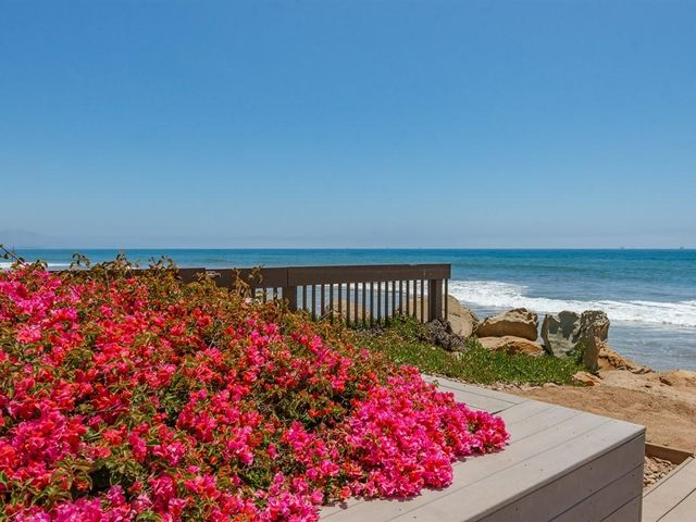 027_26-Beach Deck-2