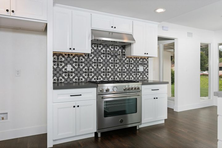 687 Deseo Ave-011-24-Kitchen-MLS_Size