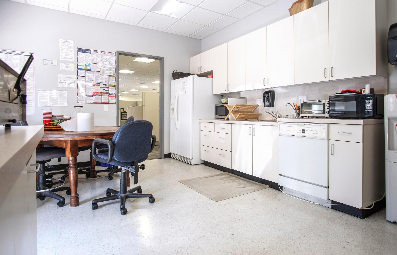 425 N Milpas St - kitchen