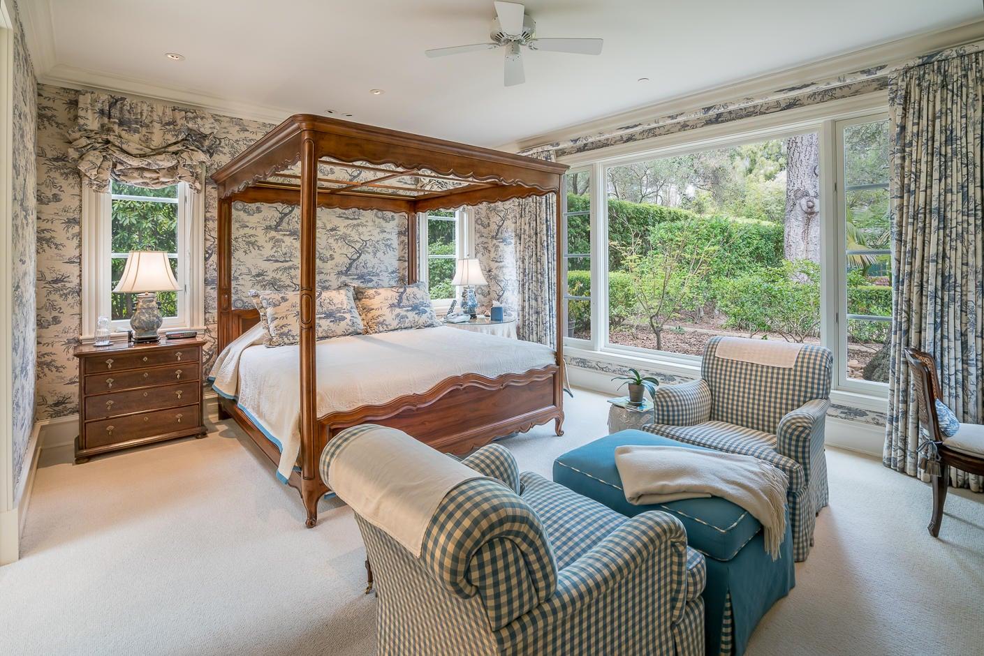 13 San Leandro master bedroom