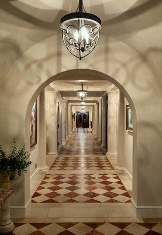 Entrance Hall/Galleria
