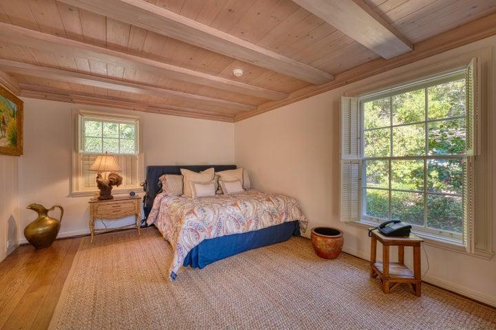 044_Guest Cottage