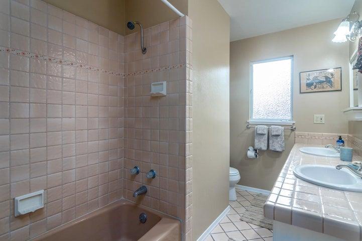 022 bathroom