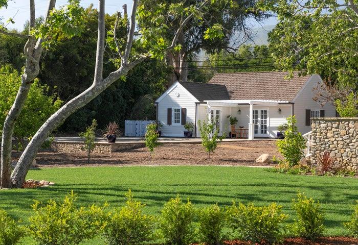 Yard & Poolhouse