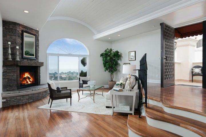 334 Ferro Dr-005-13-Living Room-MLS_Size