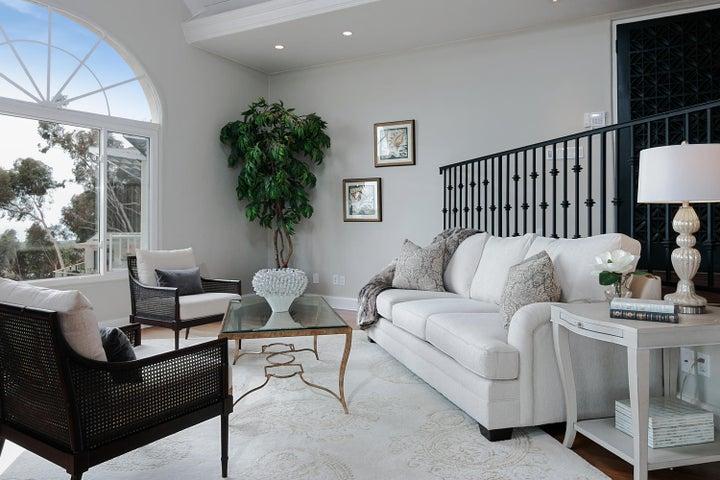 334 Ferro Dr-006-19-Living Room-MLS_Size