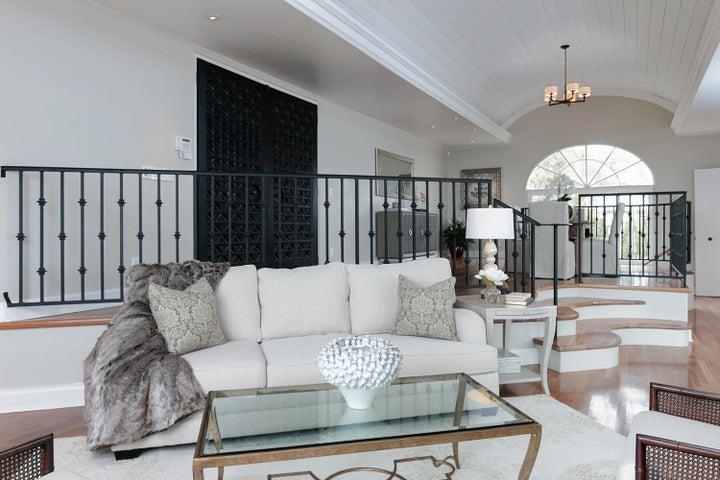 334 Ferro Dr-007-17-Living Room-MLS_Size