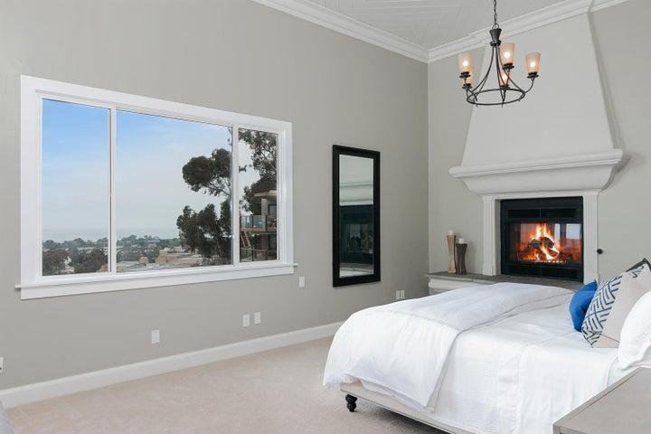 334 Ferro Dr-018-1-Master Bedroom-MLS_Si