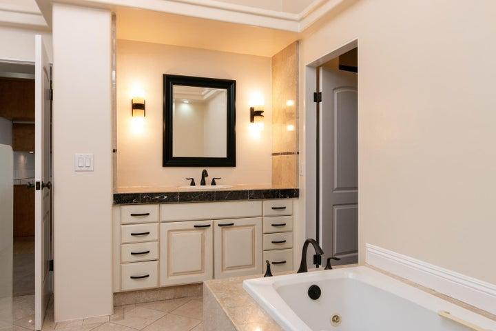 334 Ferro Dr-027-29-Studio Bathroom-MLS_