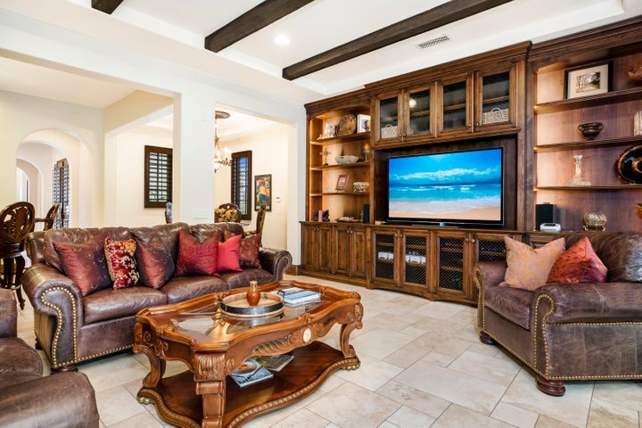 Family room/entertainment center