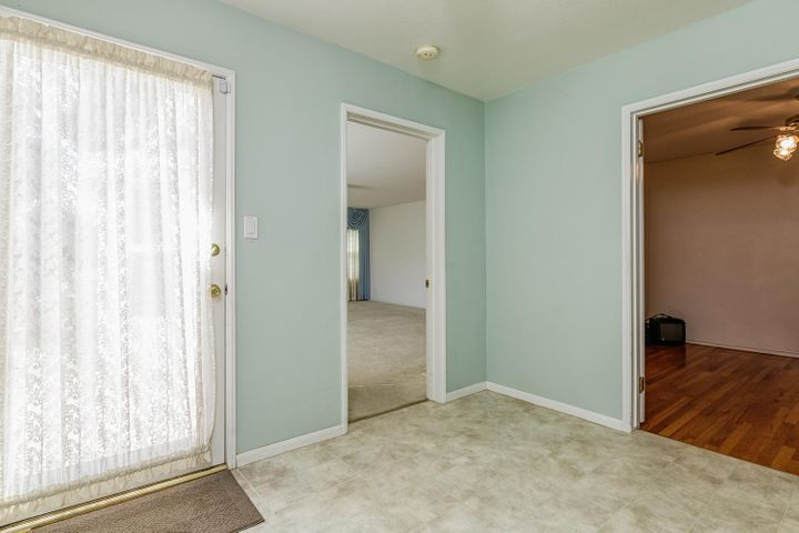 36 Kunkle St Oak View CA 93022-012-15-12