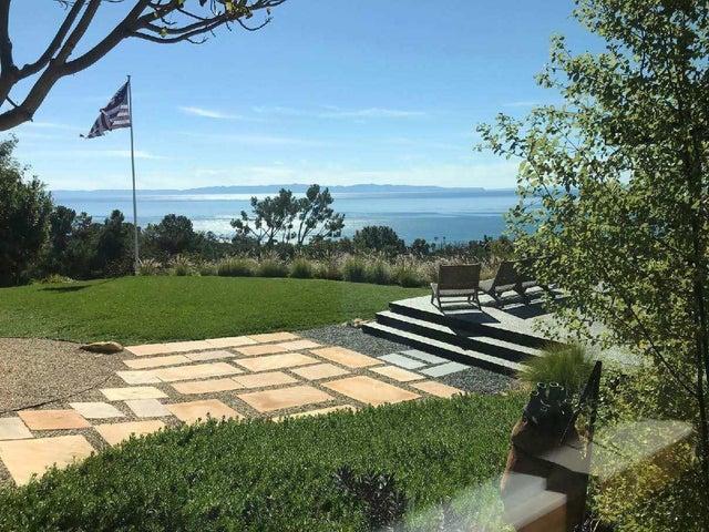 Ocean view & lawn