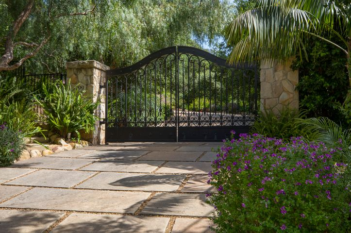799 Lilac_FrontGate