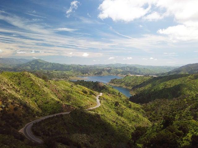 01 - Lake View - Drone