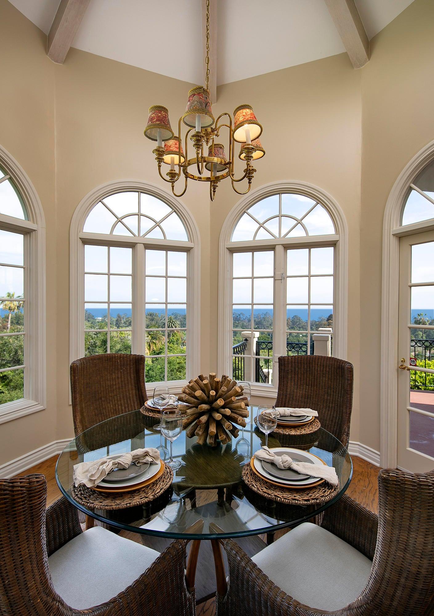 Breakfast Room w/Ocean Views