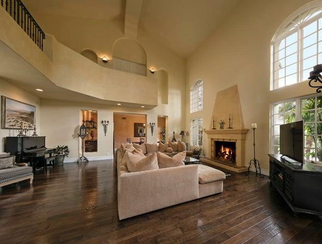 Grand 2-Story Living Room